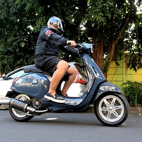 Vespa Sprint 150 3V, Hedonisme Sang Racing Addict