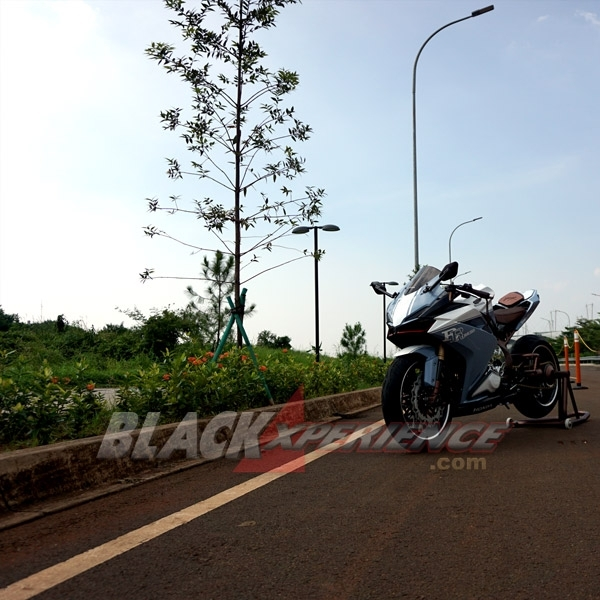 Modifikasi Honda All New CBR250RR Japanesse Low Rider
