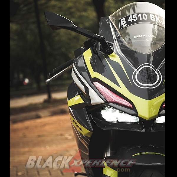 Modifikasi Honda CBR250RR : Sekuat Optimus Prime, Seseksi Superbike Look