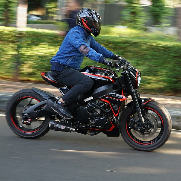 GSXR600, Black Red Inspirasi Warna Street Monster