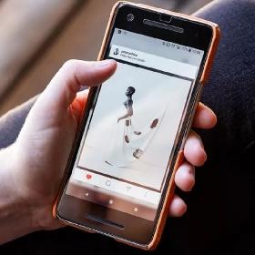 Instagram Mulai Gunakan AI Bantu Deskripsikan Foto Bagi Pengguna dengan Gangguan Penglihatan