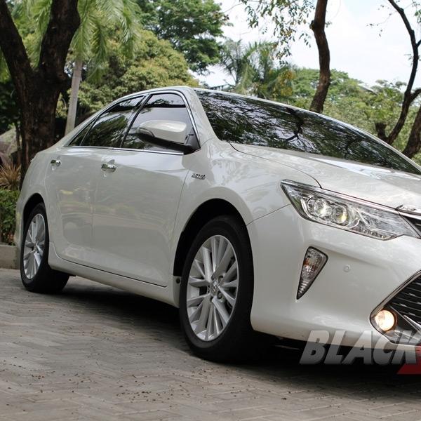 Test Drive Toyota All New Camry Hybrid Sedan Mewah Ramah Lingkungan