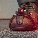 Sepatu Laser Parkinson