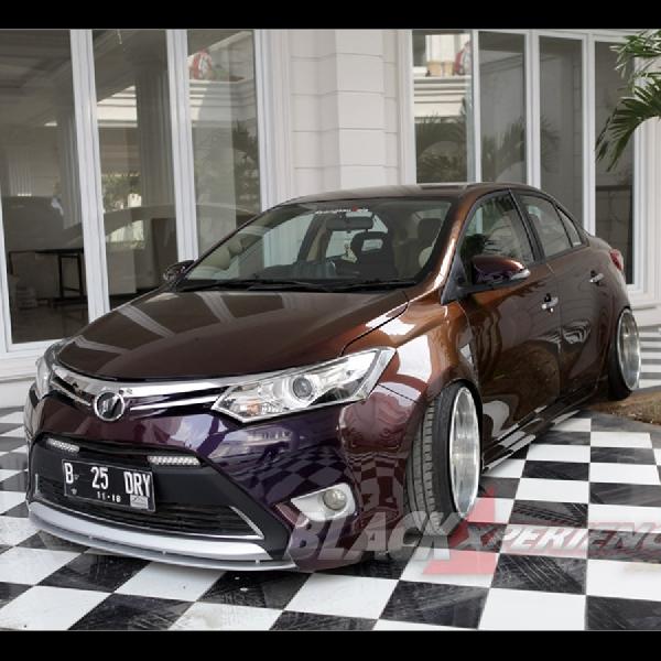Modifikasi Elegan Toyota Vios 2013