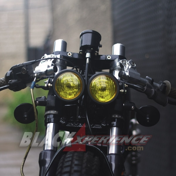 Modifikasi Megapro 'Baby Black Cafe Racer'