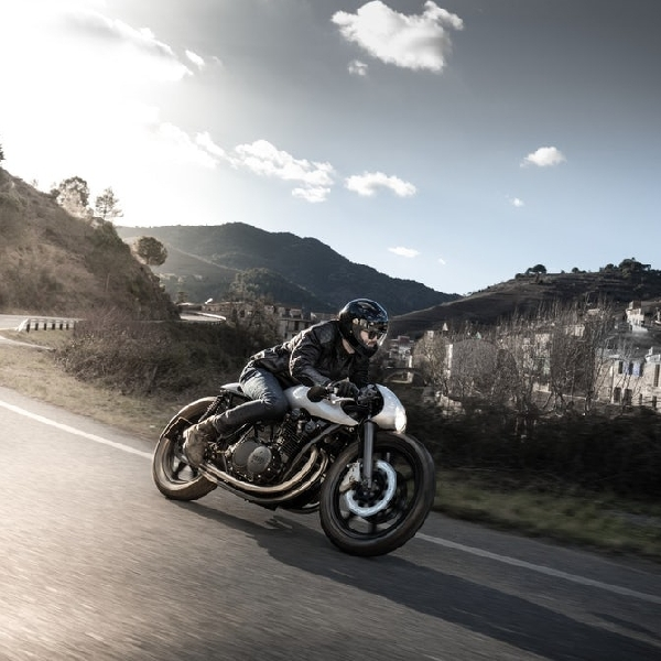 Modifikasi Yamaha XSR900, Type 11 Cafe Racer Retro Futurist