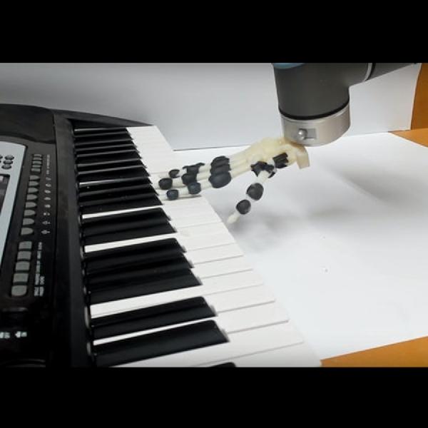 Tangan Robot Hasil Cetak 3D ini Mampu Mainkan  Nada Sederhana