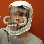 Canggih, Masker ini Bisa Membuat Kita Merasakan Aroma dari Suatu Warna