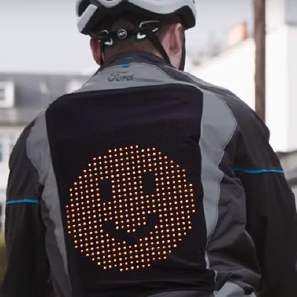 Emoji Jacket, Cara Ford Membangun Komunikasi yang Lebih Efektif