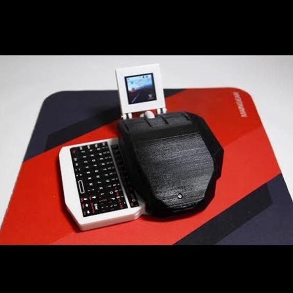 PC All-in-One Ini Ada di Dalam Sebuah Mouse, Kok Bisa?