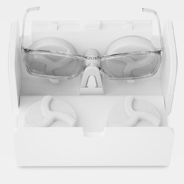 Gadget Mungil Luar Biasa Ini Bisa Jaga Kacamata Tetap Bersih