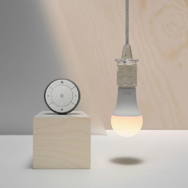 Lampu Cerdas Ini Bisa Anda Kontrol Dari Smartphone
