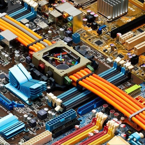 Vollebak Ubah Sampah Elektronik Menjadi Jam Tangan 'Penuh Warna'