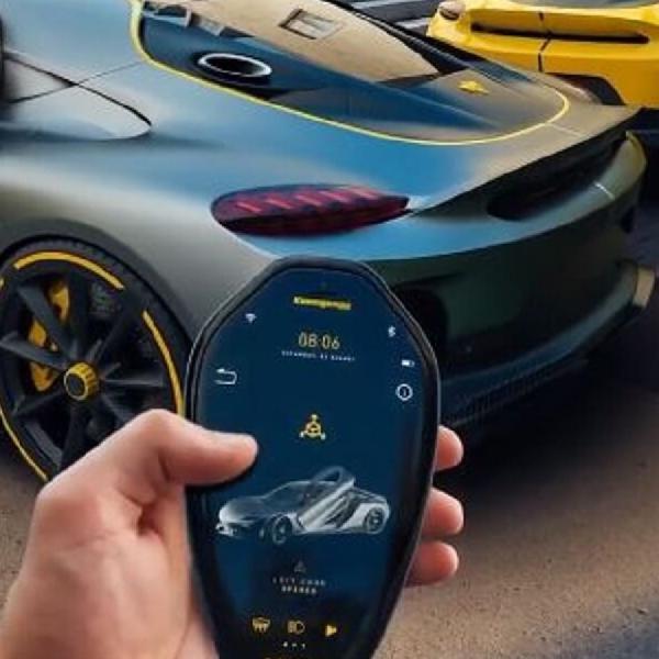 """Konsep Koenigsegg Gemera Key Fob """"Hybrid"""" Ini Bisa Menjelma Smartphone"""