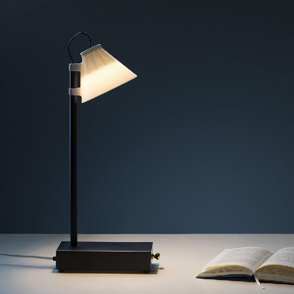 Offline Lamp, Lampu Pintar untuk Anda yang Kecanduan Smartphone