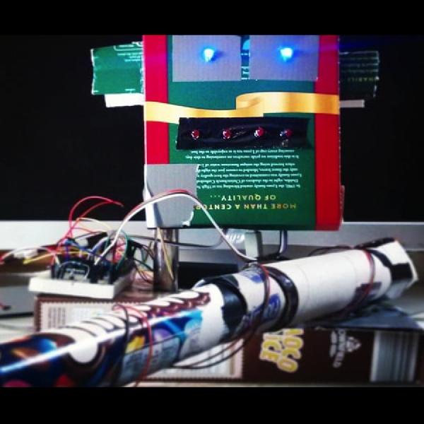 Robot Ini Mampu Mengingatkan  Saat Not yang Anda Mainkan Salah