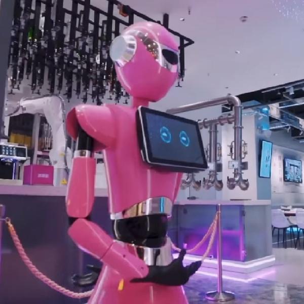 Restoran Berpelayan Robot Pertama Dunia Resmi Dibuka di Cina Selatan