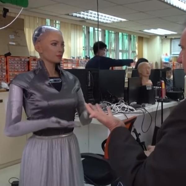 Robot Sophia Direncanakan Hadir Besar-besaran Tahun 2021