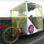 Seorang Pemuda Asal Rusia Berhasil Membuat Mobil Bertenaga Surya dengan Berbekal Bahan Seadanya