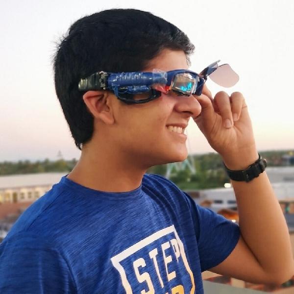 Spektakuler! Remaja 16 Tahun Ciptakan Kacamata Cerdas Lebih Baik dari Google