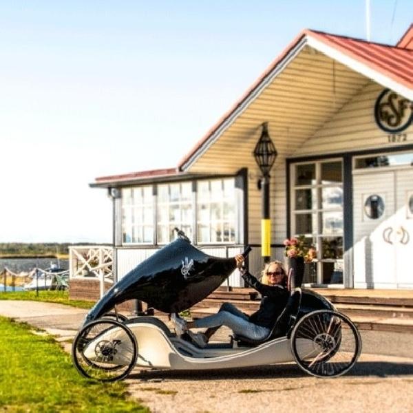 Kinner, Hybrid Mobil dan Sepeda Bertenaga Listrik dengan Desain Klasik nan Elegan