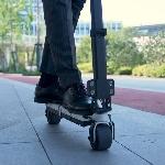 Blizwheel: E-Scooter Terkecil di Dunia yang Dapat Dilipat dan Disimpan di Laci atau Tas Anda