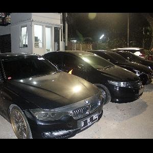 Barisan Mobil Hitam BCC Ramaikan Kawasan Senopati