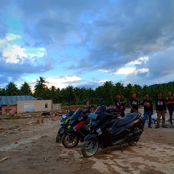 BMC Palu Serahkan 100 paket ke Warga Desa Tuva, pada hari ke-21 Ramadhan