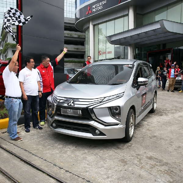X-MOC Kompak Adakan City Tour de Happiness