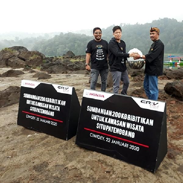 Honda Dan Komunitas Honda CR-V Sumbang Bibit Ikan Di Danau Situ Patenggang