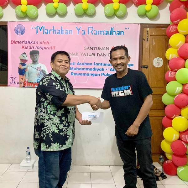 Komunitas Belajar Helm Gelar Aksi Sosial