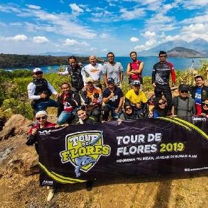Rider Honda BigBike Nikmati Keindahan Alam Flores