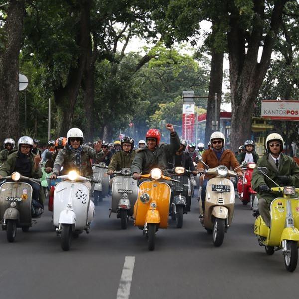 Indonesia Mods Mayday 2019 Diramaikan Ratusan Pecinta Vespa di Bandung