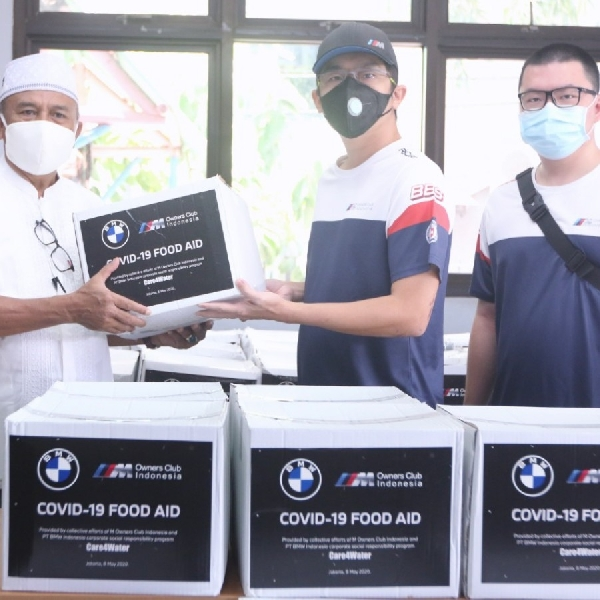 BMW Group Indonesia Gandeng MOCI Salurkan Paket Sembako Melaui Program Care4Water