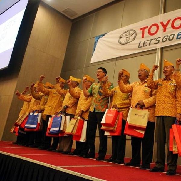Toyota Owner Club Berbagi dengan Veteran Nasional