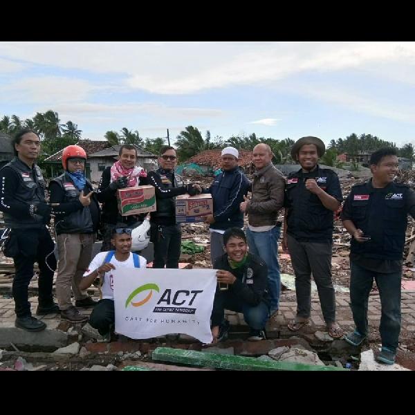 Bawa Donasi ke Banten dan Lampung, Wujud Bakti Komunitas Royal Enfield kepada Masyarakat
