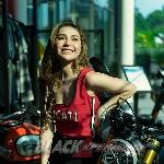 Yuniza Icha, Pecinta Motor Sportbike Idamkan Riding ke Bromo
