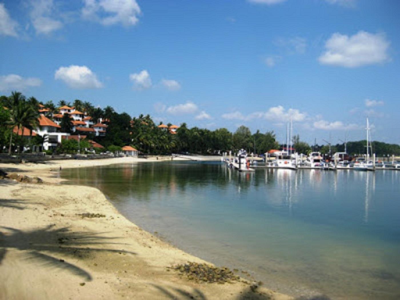 Pantai Nongsa, Hiburan Pantai yang Tenang dan Bernuansa Metropolis