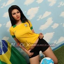 Aksi Gina Sambut Piala Dunia