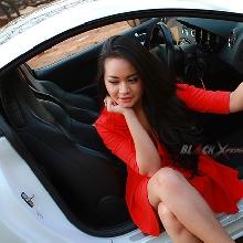 Adu Seksi Nadya Belley & Peugeot RCZ