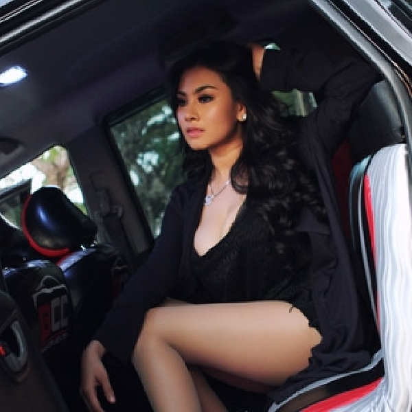 Gemulai Khaira Bersanding  Dengan Extreme Car BCC Jakarta