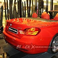 BMW 4-Series Convertible dengan Atap Terbuka