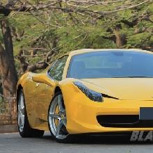 Masih Satu Keluarga Ferrari 458