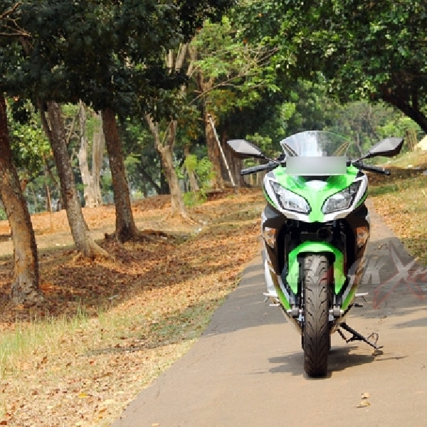 Test Ride Kawasaki Ninja 300 Si Kembar Dengan Ekstra Tenaga