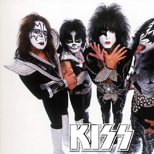 KISS Berkolaborsi Dengan Idol Group Jepang