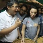 Julie Estelle Cari Kopi Enak Hingga ke Semarang