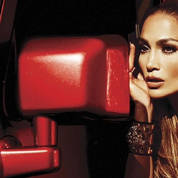 Jennifer Lopez Menjadi Alien di Video Klip Terbarunya Feel The Light