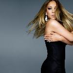 Mariah Carey Berbaur dengan Penonton di Las Vegas