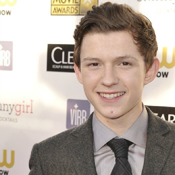 Tom Holland Akan Memerankan Spider-Man