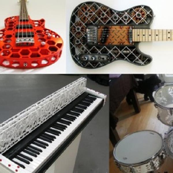Kepingan Lego Disusun Menjadi Alat Pemutar Musik